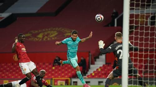 Suasana laga Man United vs Liverpool
