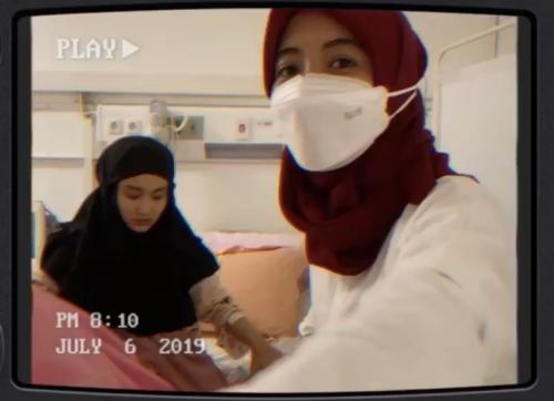 Komika Arafah Rianti dan penyanyi Fatin Shidqia Lubis positif covid-19. (Foto: Instagram @arafahrianti)