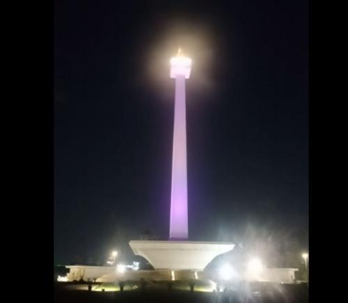 Lampu di Monas (Ist)
