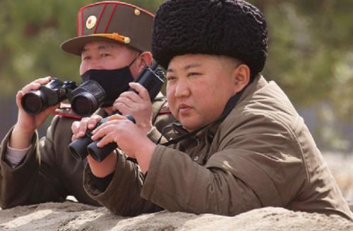 Kim Jong Un asli pakai baju tentara