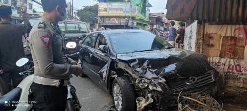 Kecelakaan beruntun di Bekasi (Foto: MPI)