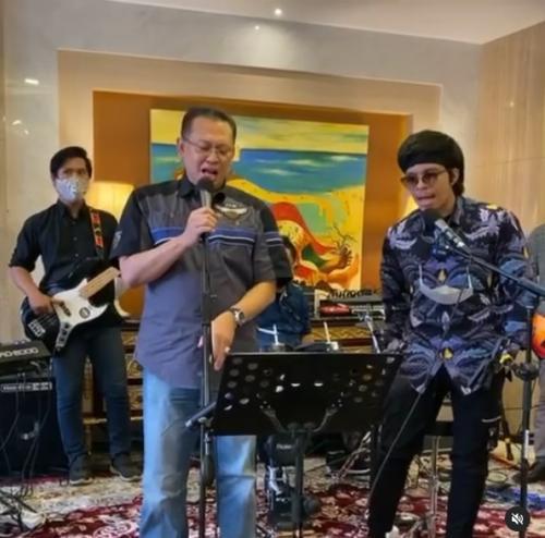 Bambang Soesatyo dan Atta Halilintar