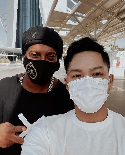 Azriel Hermansyah dan Ronaldinho