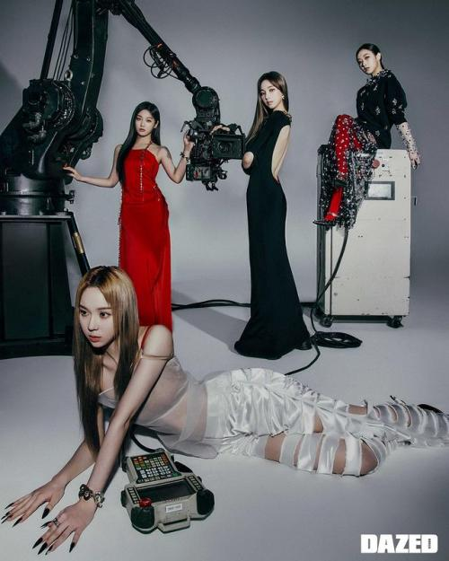 Aespa bakal merilis mini album perdana mereka, Savage. (Foto: DAZED)