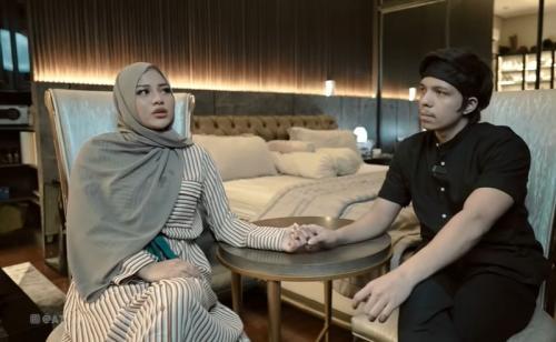 Atta Halilintar dan Aurel Hermansyah. (Foto: YouTube/Atta Halilintar)