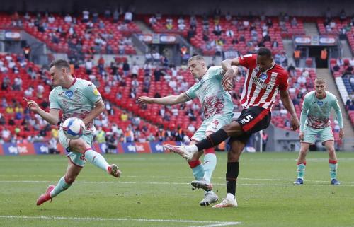 Brentford vs Swansea City (Foto: Reuters)