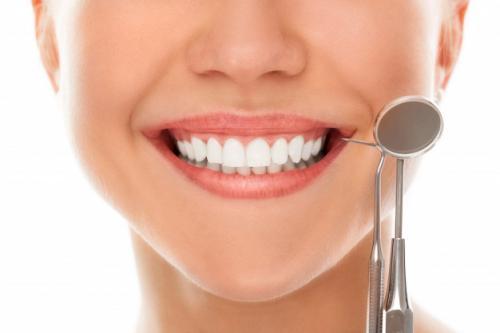 Ilustrasi gigi putih alami. (Foto: Racool Studio/Freepik)