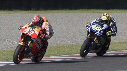 Valentino Rossi dan Marc Marquez di MotoGP Malaysia 2015