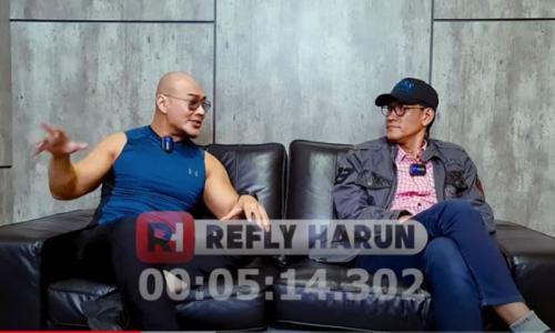 Deddy Corbuzier saat menjadi nara sumber di channel Refly Harun