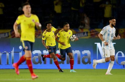 Luis Muriel cetak gol di laga Kolombia vs Argentina