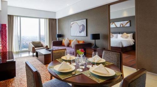 Oakwood Hotel Residence Surabaya