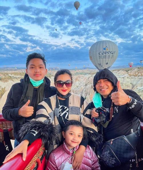 Keluarga Anang Hermansyah. (Foto: Instagram/@ashanty_ash)
