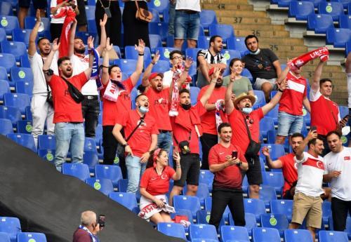 Pendukung Timnas Turki di Piala Eropa 2020