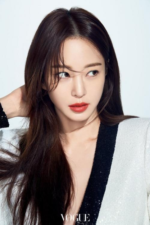 Han Ye Seul. (Foto: VOGUE)