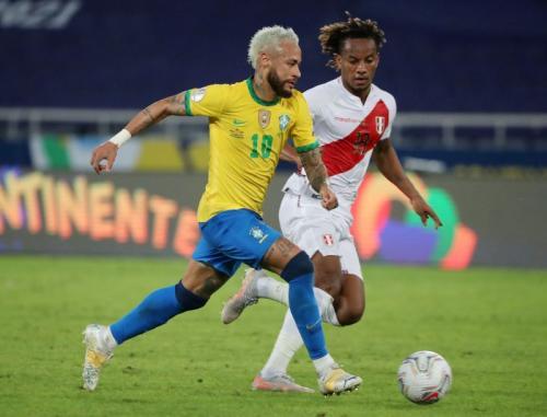 Aksi Neymar di laga Brasil vs Peru