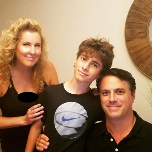 Heide Ferrer dan keluarga. (Foto: Instagram/@rechovher)