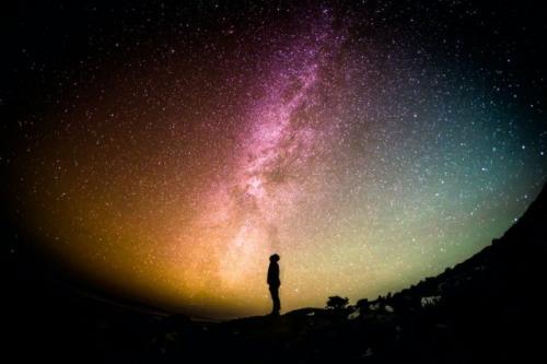 Ilustrasi alam semesta. (Foto: Greg Rakozy/Unsplash)