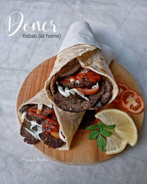Kebab kuliner Timur Tengah. (Foto: Instagram @amai.bakes)