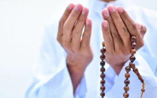 Ilustrasi doa pembuka majelis. (Foto: Shutterstock)