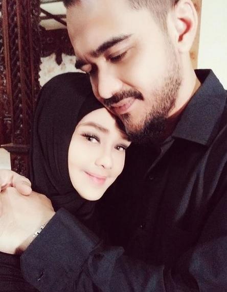 Iyeth Bustami dan suami