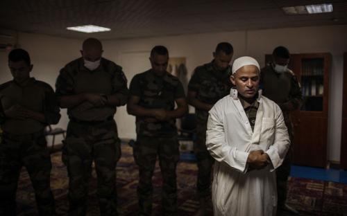 Tentara Muslim di militer Prancis. (Foto: Diego Ibarra Sanchez/The New York Times/BDnews24)