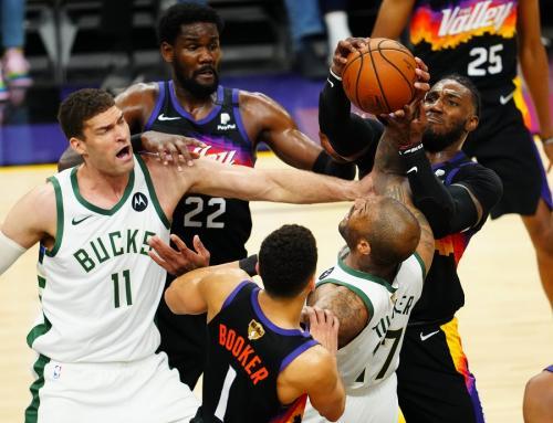 Milwaukee Bucks melawan Phoenix Suns