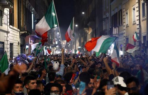 Perayaan juara Italia di Kota Roma