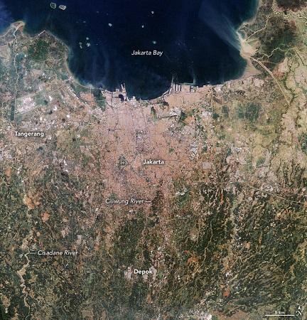 Foto aerial Jakarta pada 1990. (NASA)