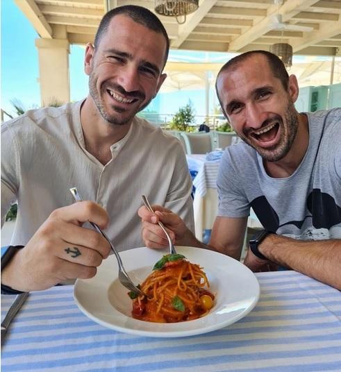 Leonardo Bonucci dan Chiellini