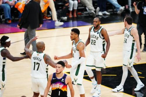 Suns vs Bucks