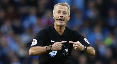 Martin Atkinson wasit sepak bola terkaya