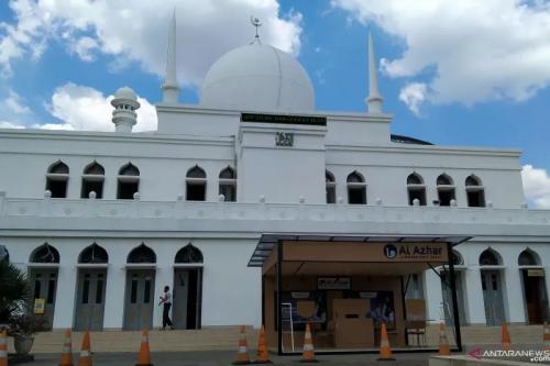 Masjid Agung Al Azhar. (Foto: Dewa Ketut Sudiarta Wiguna/Antara)