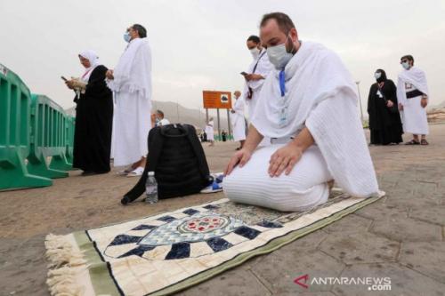 Jamaah haji wukuf di Arafah. (Foto: Ahmed Yosri/Reuters/Antara)