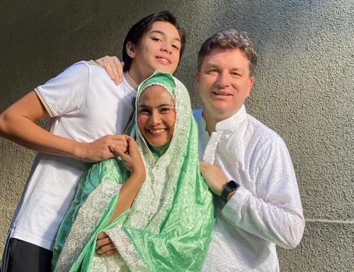 Maudy Koesnadi dan keluarga di perayaan Idul Adha 2021. (Foto: Instagram/@maudykoesnaedi)