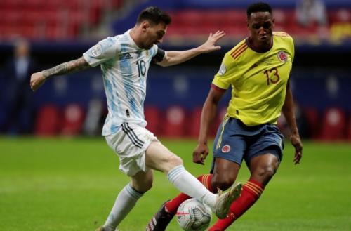 Lionel Messi vs Yerry Mina