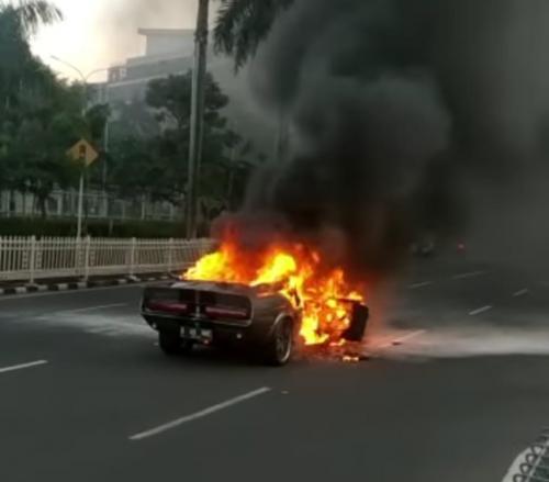 Atta Halilintar Blak-blakan soal Mobil Ford Mustang Shelby yang Terbakar di Pondok Indah