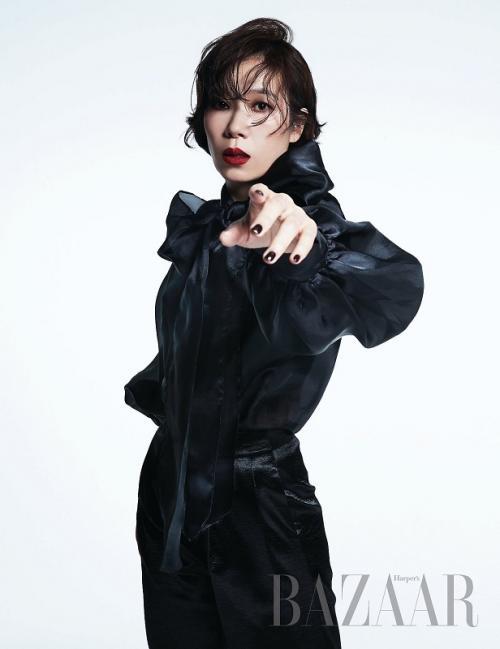 Yeom Hye Ran mempertimbangkan bintangi drama Cleaning Up. (Foto: Harpers Bazaar)
