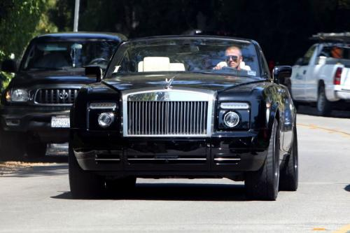 David Beckham kendarai Rolls Royce Phantom Drophead (Foto: Cars Fellow)