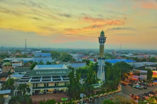 Masjid Agung Pati. (Foto: Instagram @masjidinfo.id)