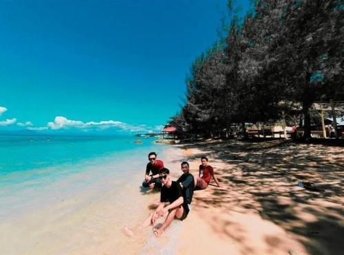 Pantai Toronipa
