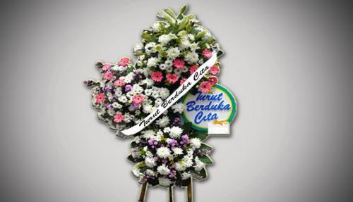 Karangan bunga obituari. (Foto: Okezone)