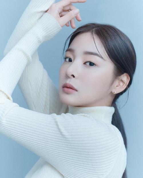 Seol In Ah bintangi drama baru SBS, A Business Proposal. (Foto: Instagram/@_seorina)