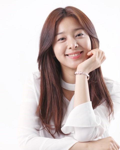 Seol In Ah bintangi drama baru SBS, A Business Proposal. (Foto: Hancinema)