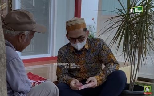 Ustadz Adi Hidayat. (Foto: YouTube Adi Hidayat Official)