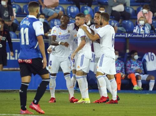 Real Madrid menang 4-1 atas Deportivo Alaves (Foto: Reuters)