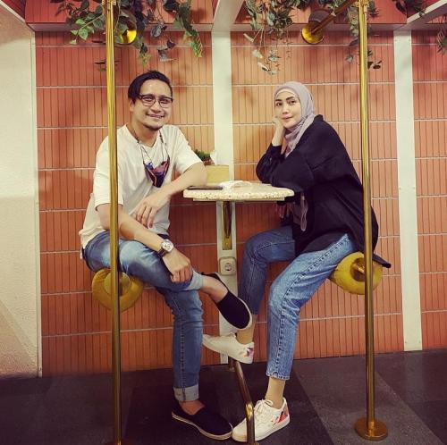 Fenita Arie dan Arie Untung. (Foto: Instagram/@fenitarie)