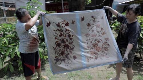 Batik tulis peranakan Oey Soe Tjun di Pekalongan. (Foto: BBC)