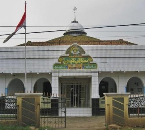 Masjid Al Mujahidin Cibarusah Bekasi. (Foto: bujangmasjid.blogspot.co.id)