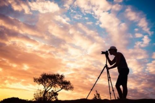 Ilustrasi hobi fotografi. (Foto: Shutterstock)