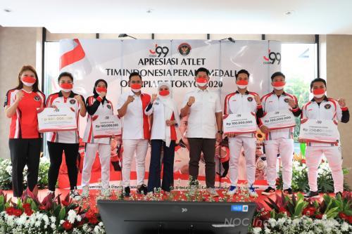 Peraih medali Olimpiade Tokyo 2020 terima bonus dari J99 Corp (Foto: NOC Indonesia)